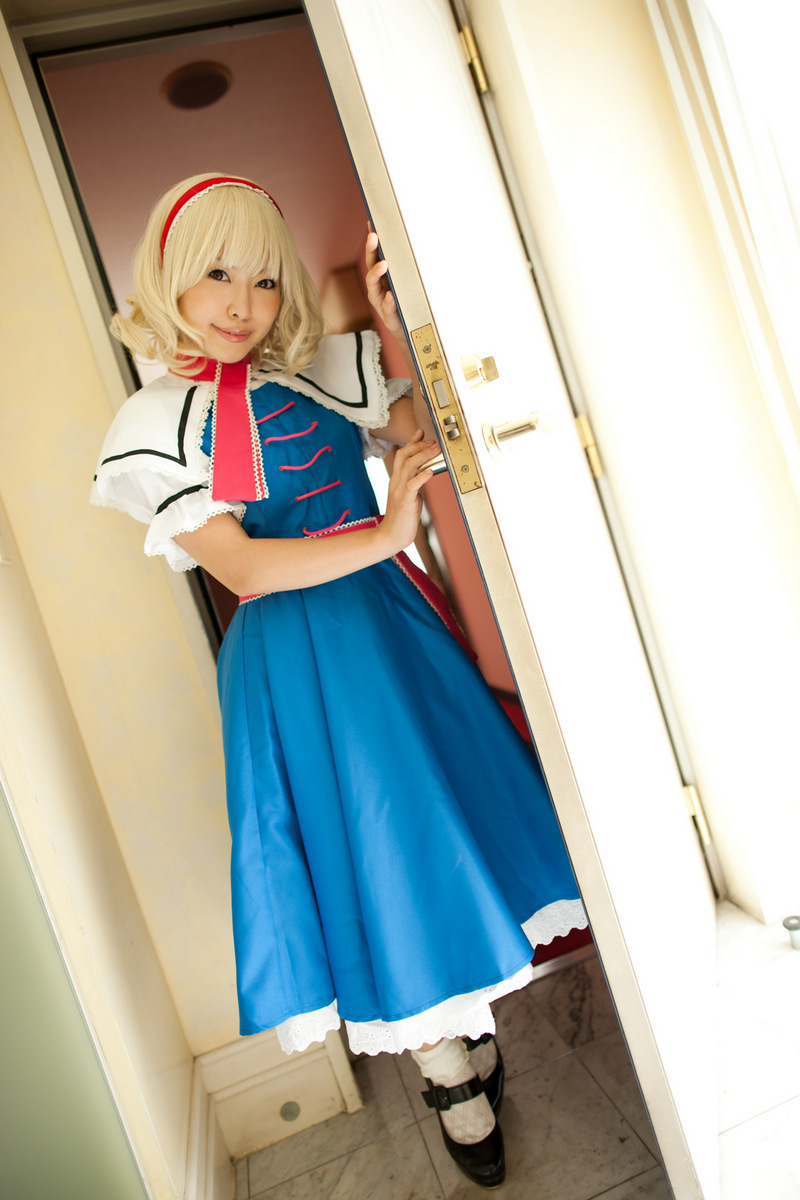 alice_of_the_east_0001